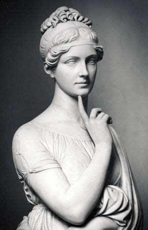 Black & White Photography Inspiration : statue from